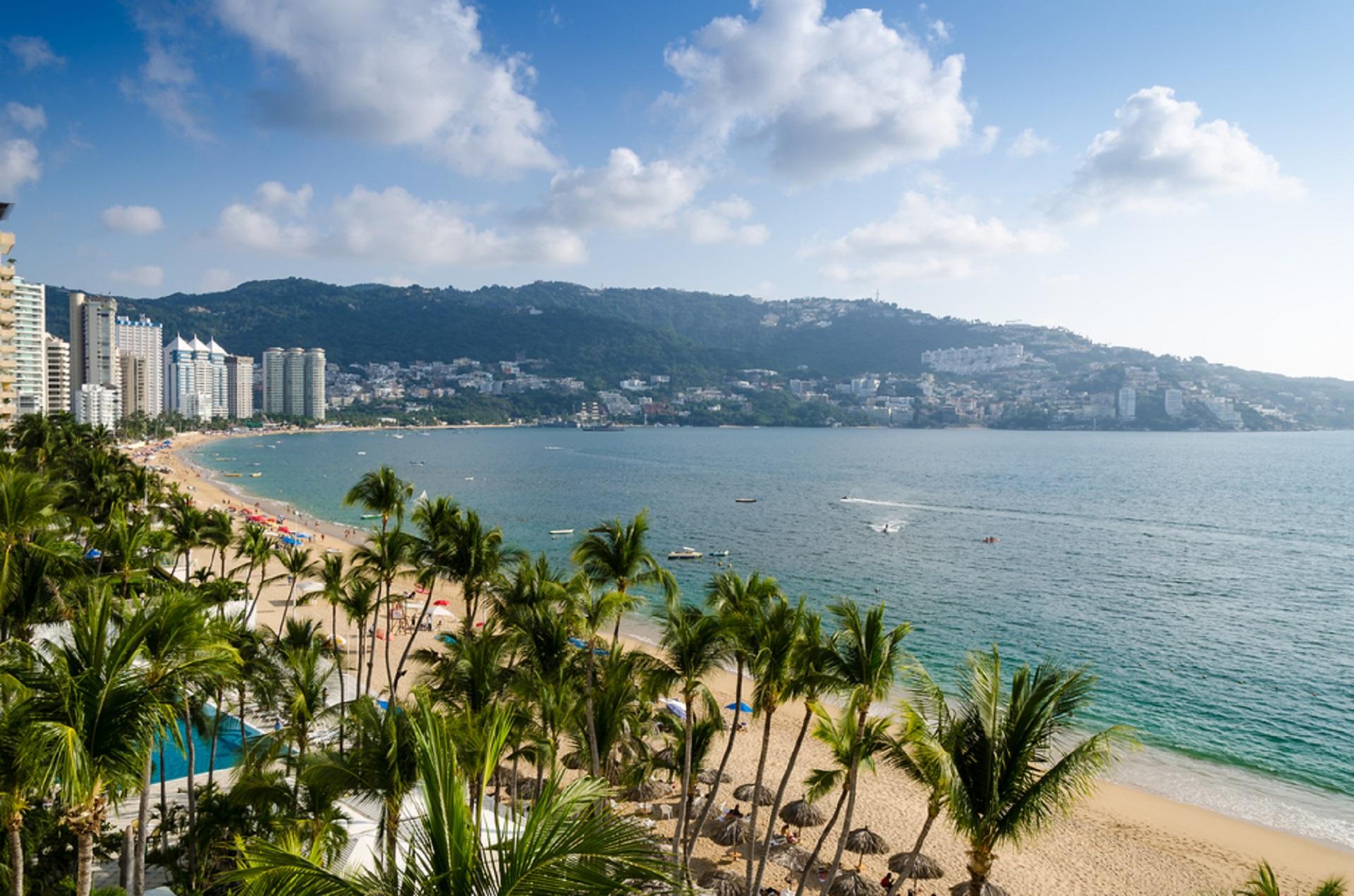 Acapulco beach_245363938
