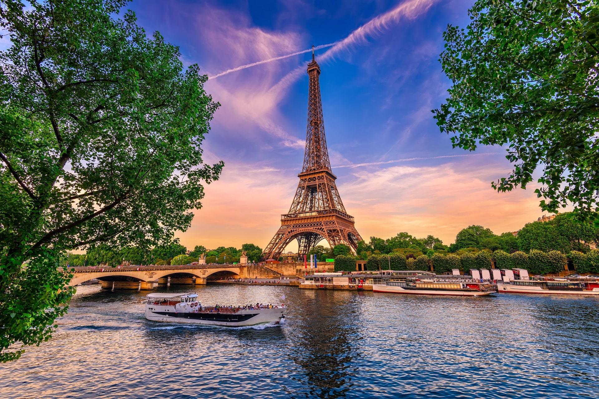 ParisRiverFrance